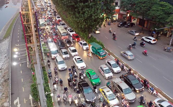 Bến xe 'ế' khách, cửa ngõ Hà Nội thông thoáng chiều cuối năm - ảnh 10