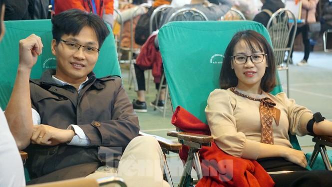 Đông đảo bạn trẻ tham gia hiến máu cứu người tại Đại học Hải Phòng - ảnh 12