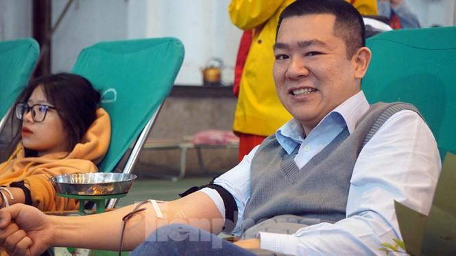 Đông đảo bạn trẻ tham gia hiến máu cứu người tại Đại học Hải Phòng - ảnh 8