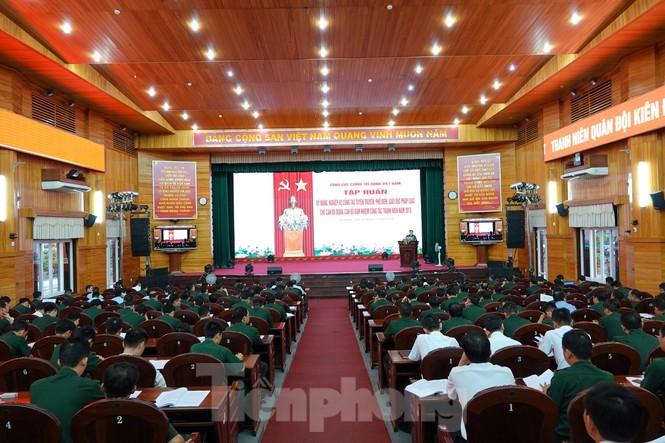 Thủ lĩnh Đoàn trong Quân đội học kỹ năng tuyên truyền pháp luật - ảnh 2