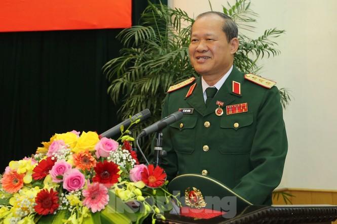 Trao Huy hiệu Đảng cho 8 sĩ quan Quân đội cao cấp - ảnh 2