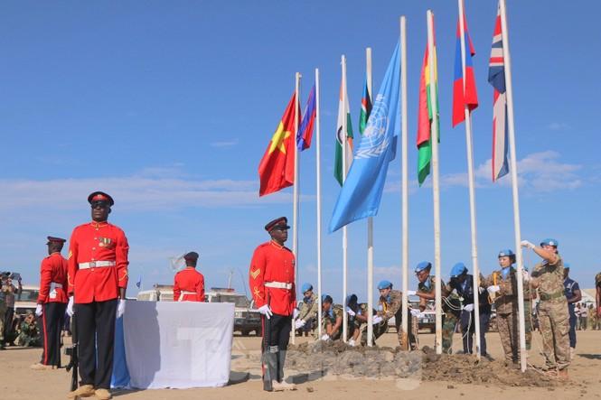 Sứ giả hoà bình Việt Nam thực hiện lời thề Hippocrates ở Nam Sudan - ảnh 2