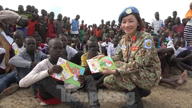 Sứ giả hoà bình Việt Nam thực hiện lời thề Hippocrates ở Nam Sudan - ảnh 4