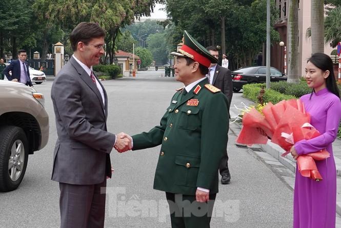 Bộ trưởng Quốc phòng Việt - Mỹ hội kiến tại Hà Nội - ảnh 1