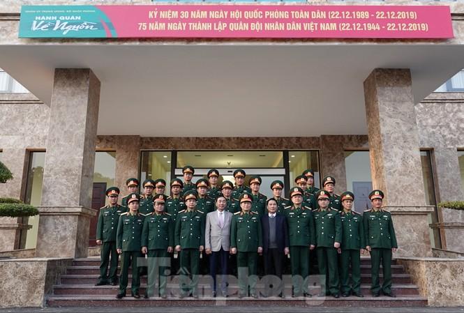 Đại tướng Ngô Xuân Lịch thăm và làm việc tại Quân khu 1 - ảnh 4