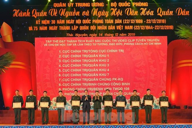 Sôi động đêm lửa trại của tuổi trẻ ở ATK Định Hóa - ảnh 5