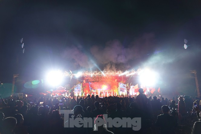 Sôi động đêm lửa trại của tuổi trẻ ở ATK Định Hóa - ảnh 9