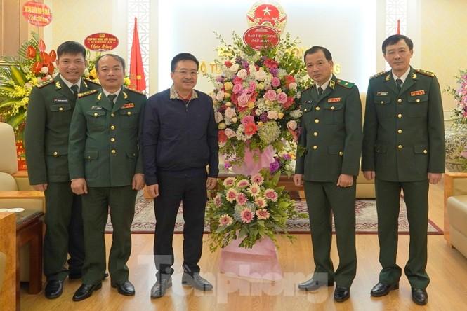 Tiền Phong luôn đồng hành cùng người lính - ảnh 1