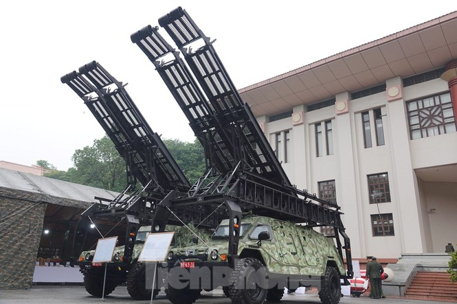 Cận cảnh ngư lôi, tổ hợp tên lửa của Quân đội nhân dân Việt Nam - ảnh 8
