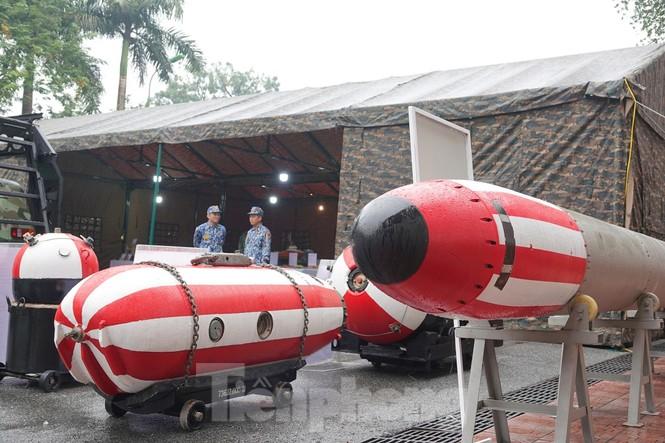 Cận cảnh ngư lôi, tổ hợp tên lửa của Quân đội nhân dân Việt Nam - ảnh 3