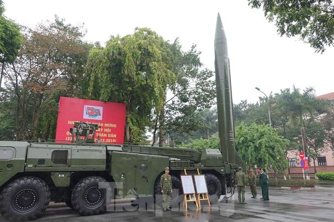 Cận cảnh ngư lôi, tổ hợp tên lửa của Quân đội nhân dân Việt Nam - ảnh 2