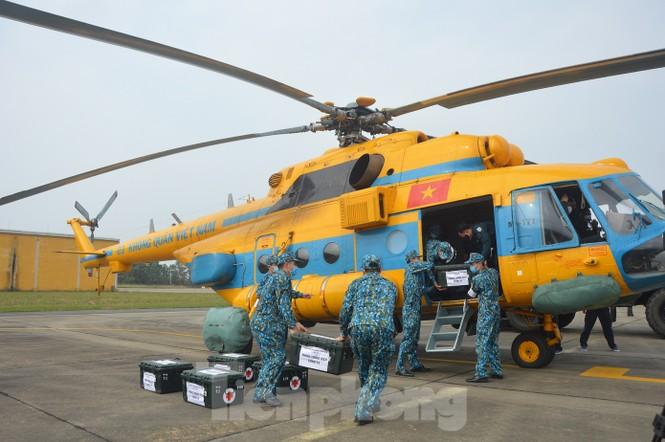Đoàn Không quân Ba Vì diễn tập ứng phó tình huống 30 nghìn người mắc Covid-19  - ảnh 3