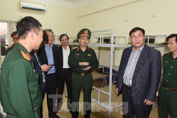 Thiếu tướng Nguyễn Quốc Duyệt: Phải cưỡng chế một số người về khu cách ly - ảnh 1