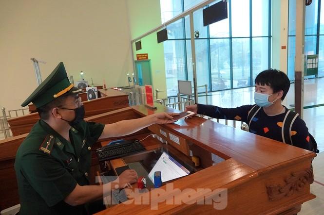 Biên phòng xứ Lạng lập nhiều chiến công mùa COVID-19  - ảnh 2