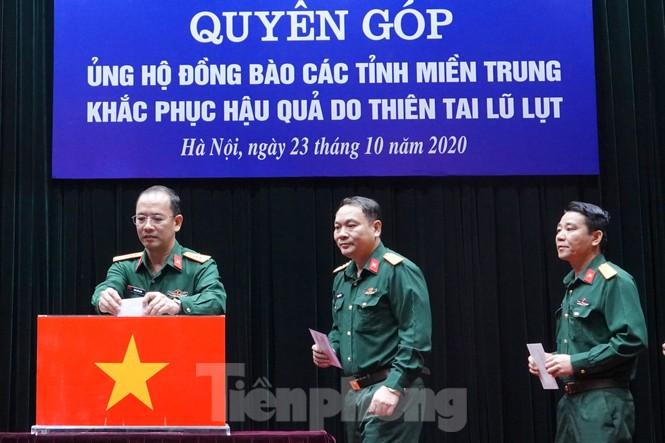 Ban Quản lý Lăng Bác và Báo QĐND phát động ủng hộ đồng bào miền Trung - ảnh 1