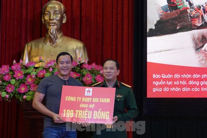 Ban Quản lý Lăng Bác và Báo QĐND phát động ủng hộ đồng bào miền Trung - ảnh 8