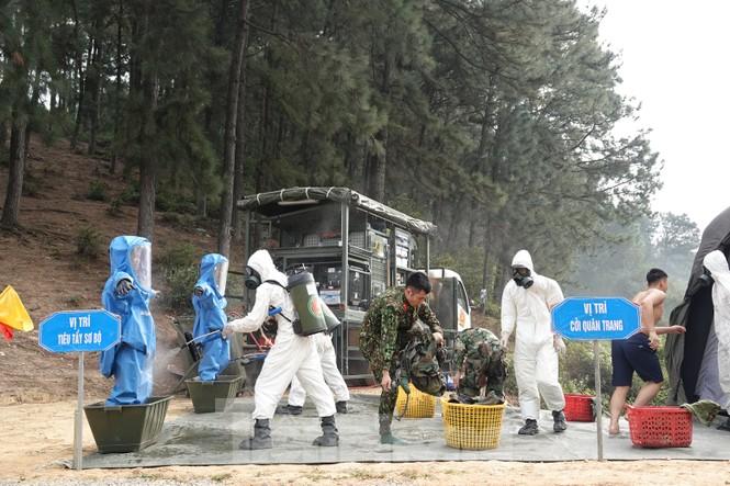 Quân đội diễn tập phòng thủ dân sự liên tỉnh ứng phó sự cố môi trường - ảnh 1