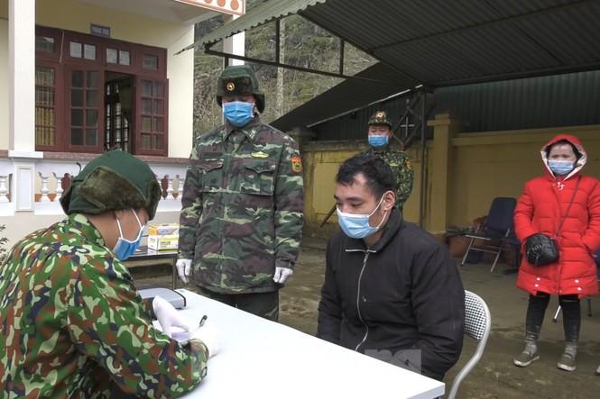 Bắt 35 người nhập cảnh trái phép về Việt Nam - ảnh 2