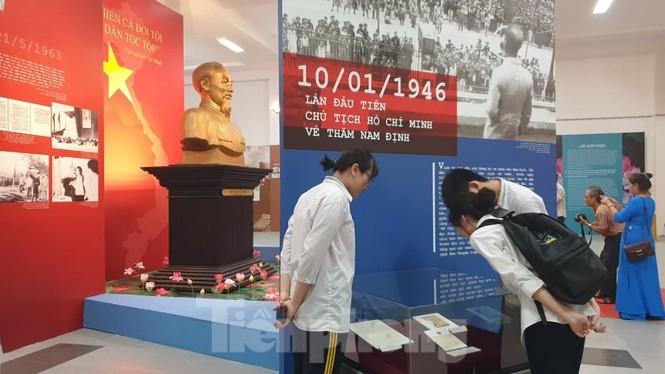 Khánh thành tượng đài Chủ tịch Hồ Chí Minh tại trụ sở Công an tỉnh Nam Định - ảnh 1