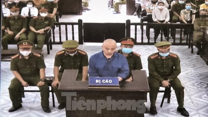 Giang hồ Đường 'Nhuệ' lĩnh 30 tháng tù vì đánh người ở trụ sở công an - ảnh 1