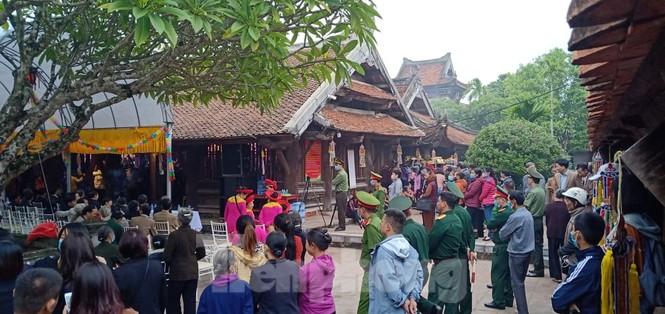 Khai hội ngôi chùa cổ có gác chuông bằng gỗ cao nhất Việt Nam - ảnh 3