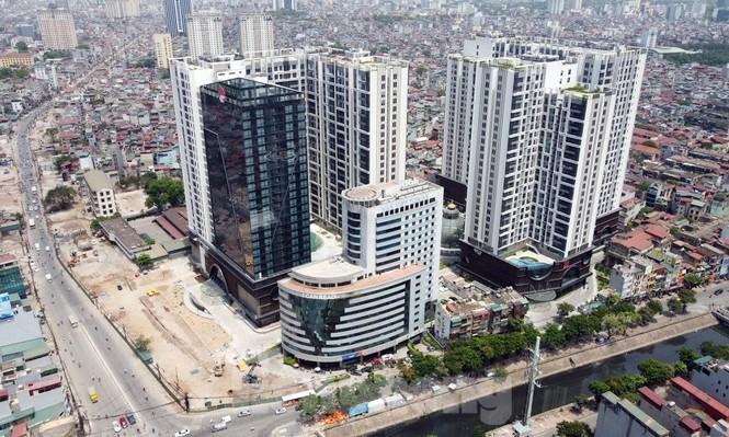 Thanh tra Bộ Xây dựng 'sờ gáy' loạt công trình sai phép ở Hà Nội - ảnh 1