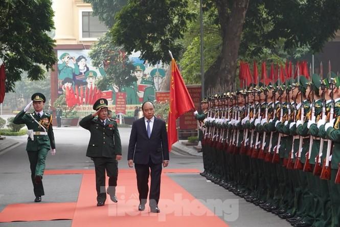 Thủ tướng chúc Tết, giao lưu với chiến sĩ biên phòng và quân dân biên giới, hải đảo - ảnh 1
