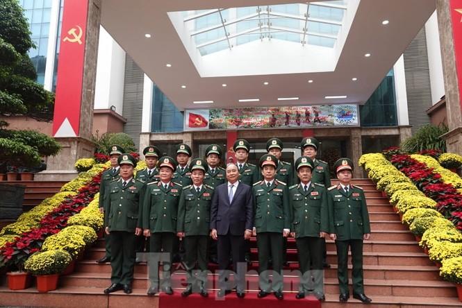 Thủ tướng chúc Tết, giao lưu với chiến sĩ biên phòng và quân dân biên giới, hải đảo - ảnh 3