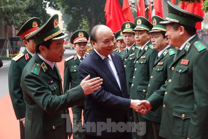 Thủ tướng chúc Tết, giao lưu với chiến sĩ biên phòng và quân dân biên giới, hải đảo - ảnh 2