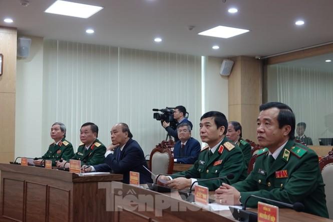 Thủ tướng chúc Tết, giao lưu với chiến sĩ biên phòng và quân dân biên giới, hải đảo - ảnh 4