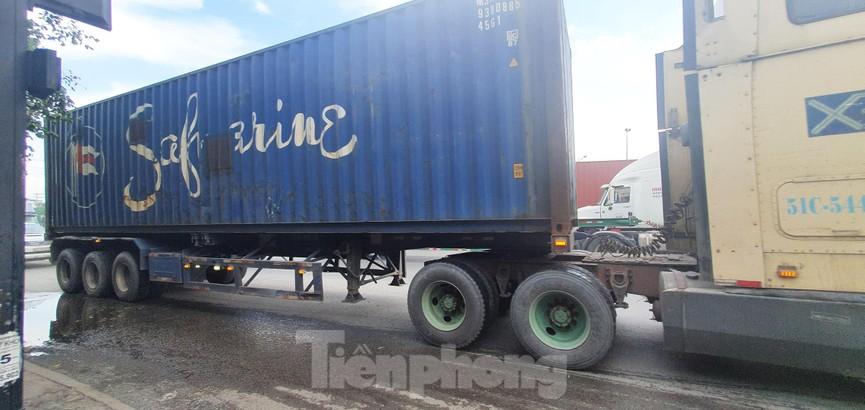 Ớn lạnh 'hung thần' container tung hoành trên đường phố Sài Gòn - ảnh 7