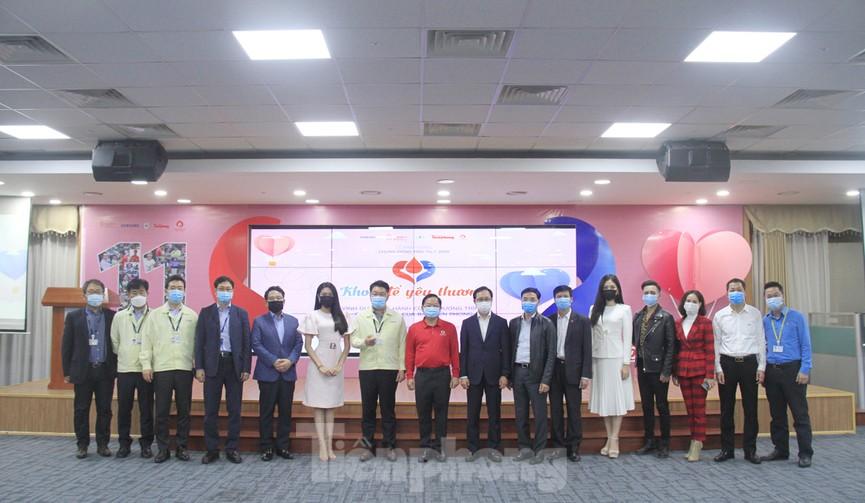 Samsung Việt Nam hiến máu hưởng ứng chương trình Chủ nhật Đỏ - ảnh 11