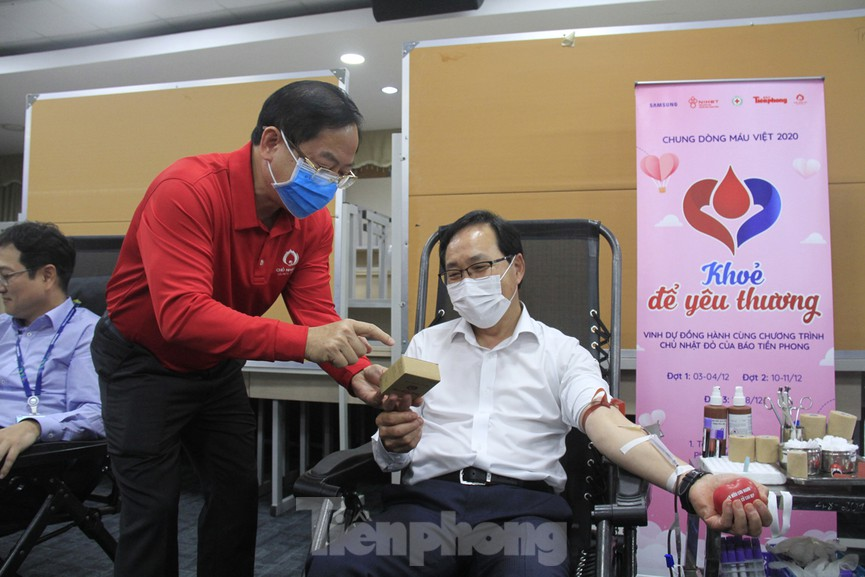 Samsung Việt Nam hiến máu hưởng ứng chương trình Chủ nhật Đỏ - ảnh 13
