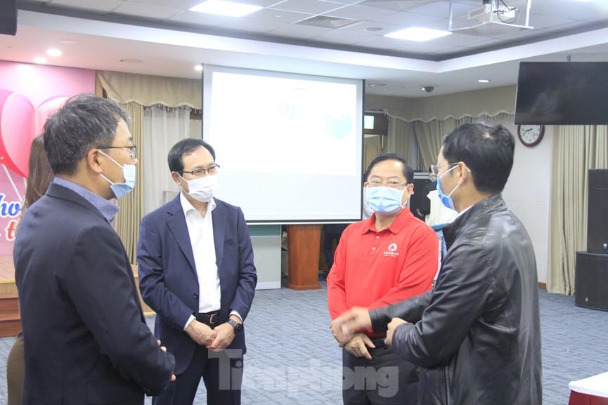 Samsung Việt Nam hiến máu hưởng ứng chương trình Chủ nhật Đỏ - ảnh 1