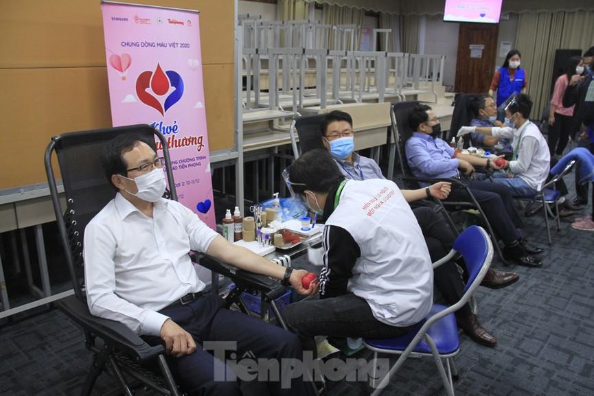 Samsung Việt Nam hiến máu hưởng ứng chương trình Chủ nhật Đỏ - ảnh 14
