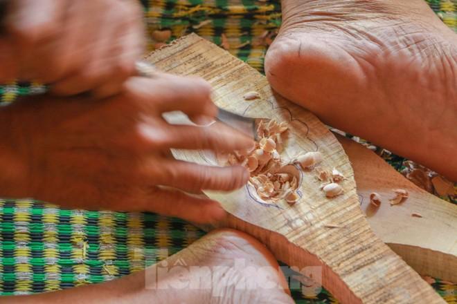 Gặp người 'thổi hồn' vào bánh trung thu truyền thống - ảnh 2