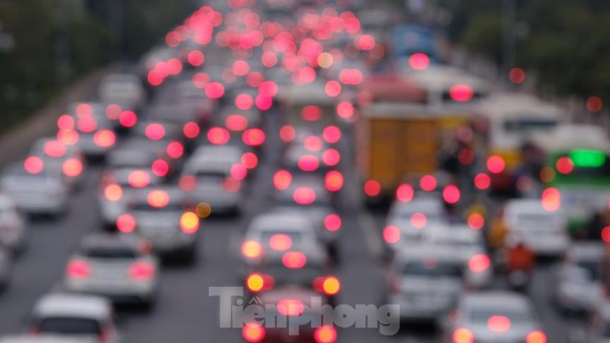 Dòng phương tiện ùn ùn về Hà Nội trong ngày cuối nghỉ Tết Dương lịch - ảnh 12