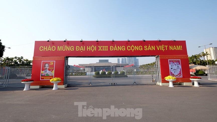 Trung tâm Hội nghị Quốc gia trang hoàng chuẩn bị Đại hội lần thứ XIII của Đảng - ảnh 2