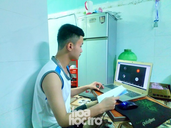 Đà Nẵng: Những sinh viên ngoại tỉnh chọn bỏ lỡ chuyến xe cuối cùng về nhà - ảnh 2