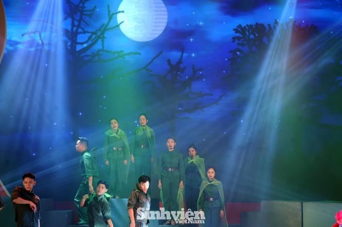 Xúc động hình ảnh Lực lượng Thanh niên xung phong Việt Nam qua các thời kỳ - ảnh 13