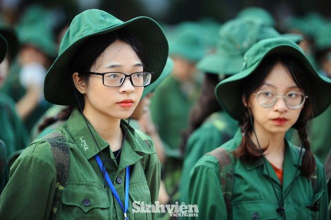 Nữ sinh trường ĐH Ngoại ngữ trải nghiệm hành, trú quân trong kỳ học ngoại khoá - ảnh 9