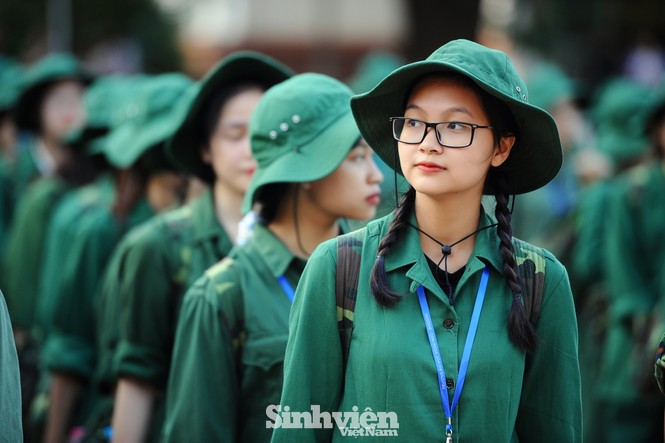 Nữ sinh trường ĐH Ngoại ngữ trải nghiệm hành, trú quân trong kỳ học ngoại khoá - ảnh 10