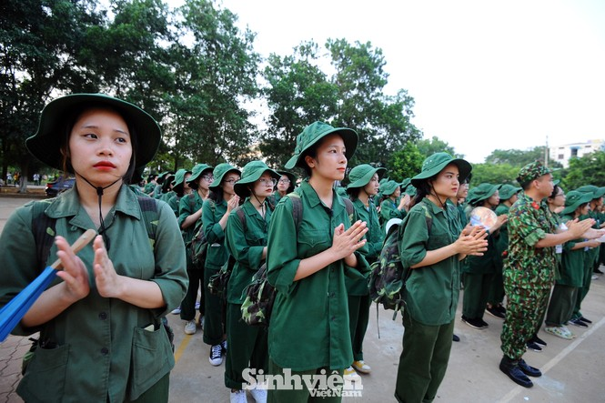 Nữ sinh trường ĐH Ngoại ngữ trải nghiệm hành, trú quân trong kỳ học ngoại khoá - ảnh 4