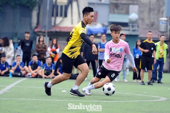 Ngắm nam thanh, nữ tú ĐH Mở Hà Nội tranh tài tại giải bóng đá sinh viên - ảnh 10