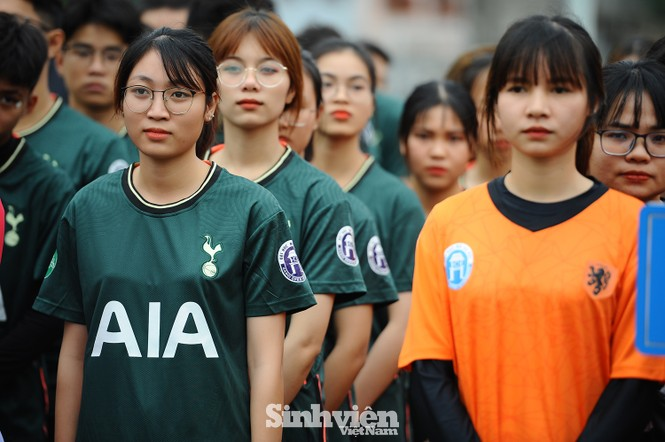 Ngắm nam thanh, nữ tú ĐH Mở Hà Nội tranh tài tại giải bóng đá sinh viên - ảnh 11