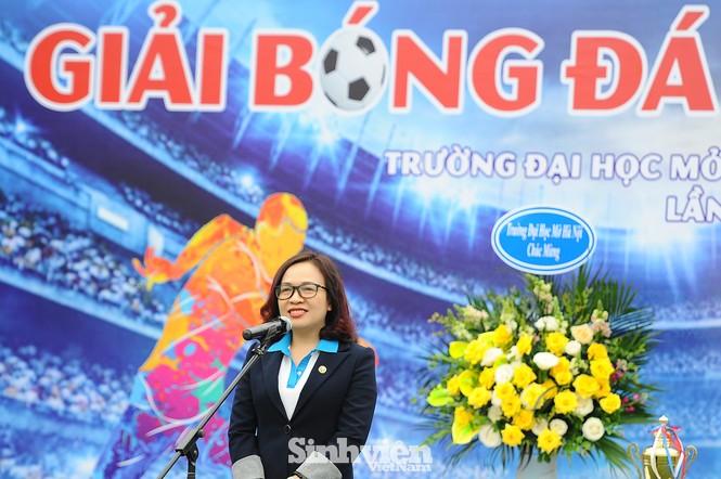 Ngắm nam thanh, nữ tú ĐH Mở Hà Nội tranh tài tại giải bóng đá sinh viên - ảnh 5