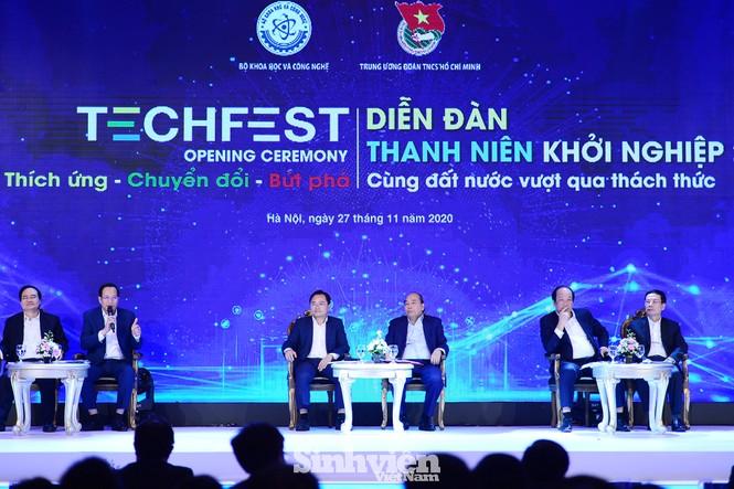 Thủ tướng Chính phủ Nguyễn Xuân Phúc đối thoại với Thanh niên khởi nghiệp - ảnh 2