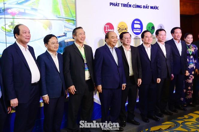 Thủ tướng Chính phủ Nguyễn Xuân Phúc đối thoại với Thanh niên khởi nghiệp - ảnh 10