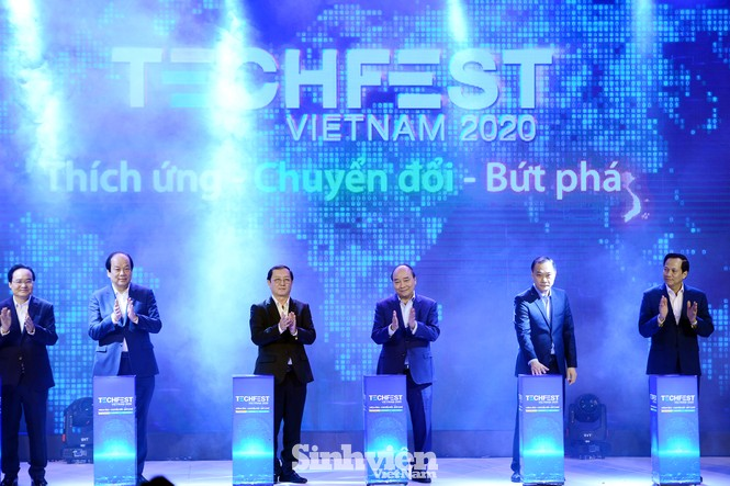 Thủ tướng Chính phủ Nguyễn Xuân Phúc đối thoại với Thanh niên khởi nghiệp - ảnh 1