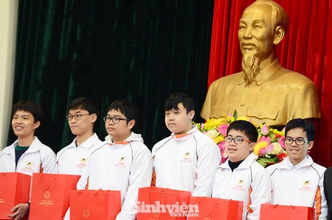Vinh danh 24 học sinh giành giải Olympic quốc tế năm 2020 - ảnh 1